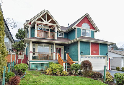 1137 Charland Ave, Coquitlam